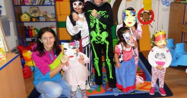 Karnevalový rej masek v Centru pro děti
