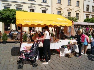 Den země na Pernštejnském náměstí